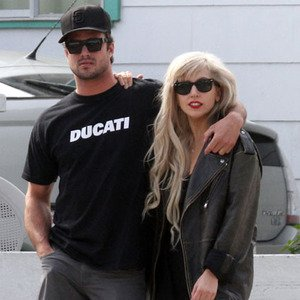 Lady Gaga's boyfriend gets stray cat