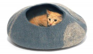 KittiKubbi Felt Cat Bed Review