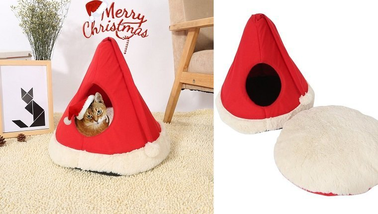Deck the paws with these 12 cat inspired christmas for Christmas cat yard decorations
